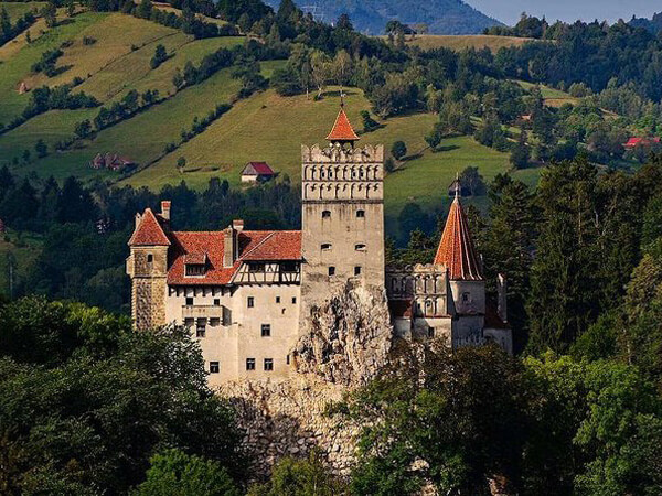 Private Tour to Peles and Dracula's Castle